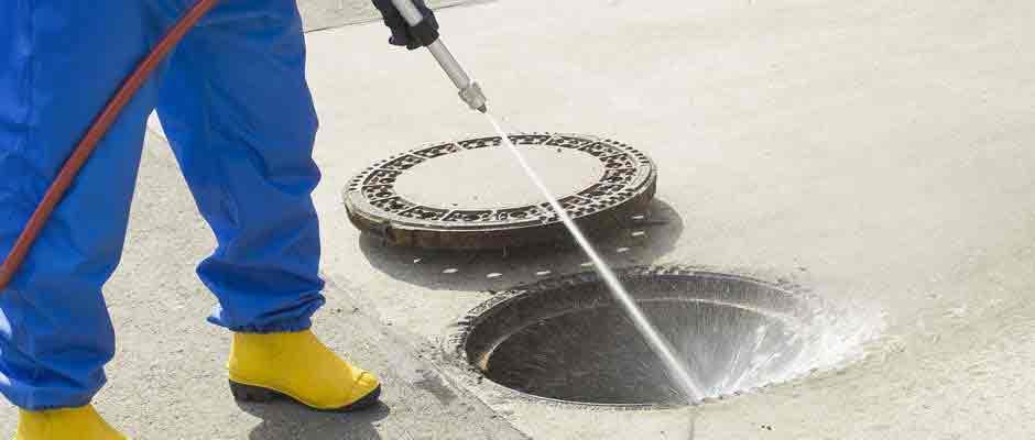 hidrojateamento-desentupidora-e-desentupimento-de-esgoto-maringa